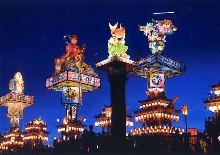 飯田町燈籠山祭り